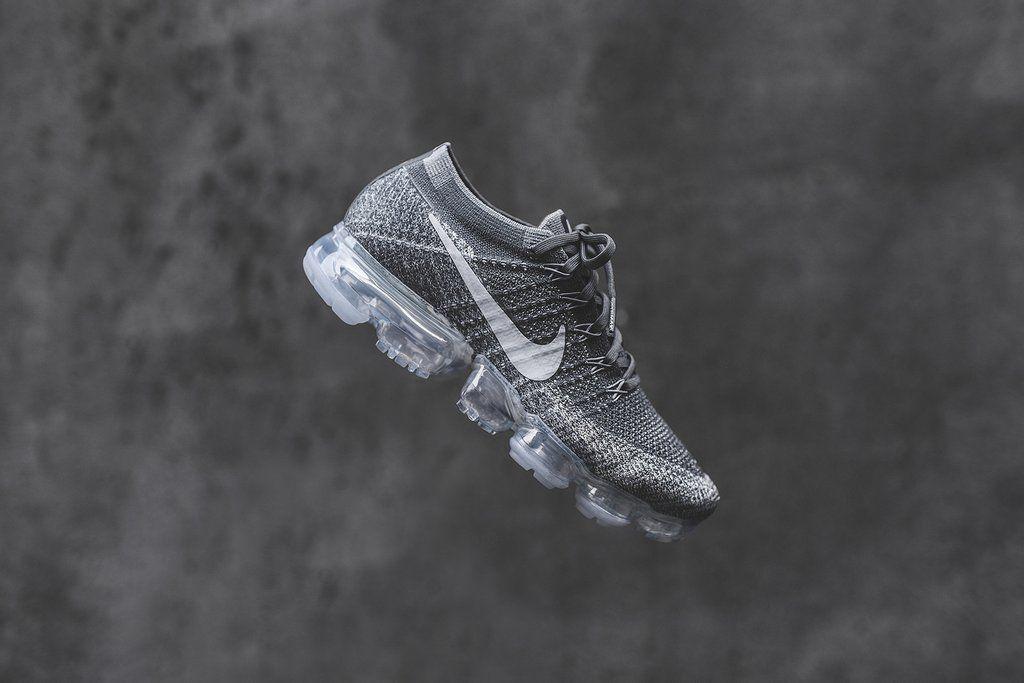 e9f90f983a1d Nike Air VaporMax Flyknit - Dark Grey   Black   Wolf Grey