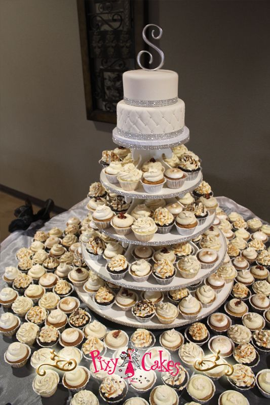 This Elegant Wedding Cupcake Tower Was Delivered To The Estrella Vista Reception Center In Avondale Weekend 22 Dozen Cupcakes Were For Guests