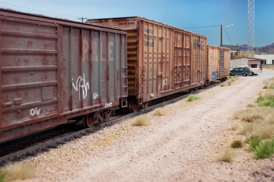 Example of weathered freight cars pelle model