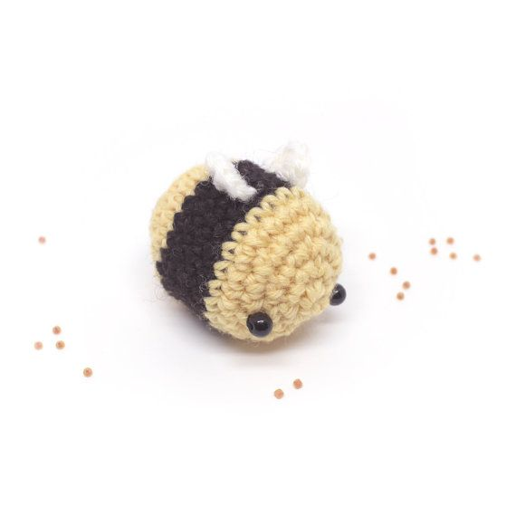 Bumble Bee Free Crochet Pattern | Crochet bee, Crochet toys ... | 570x570