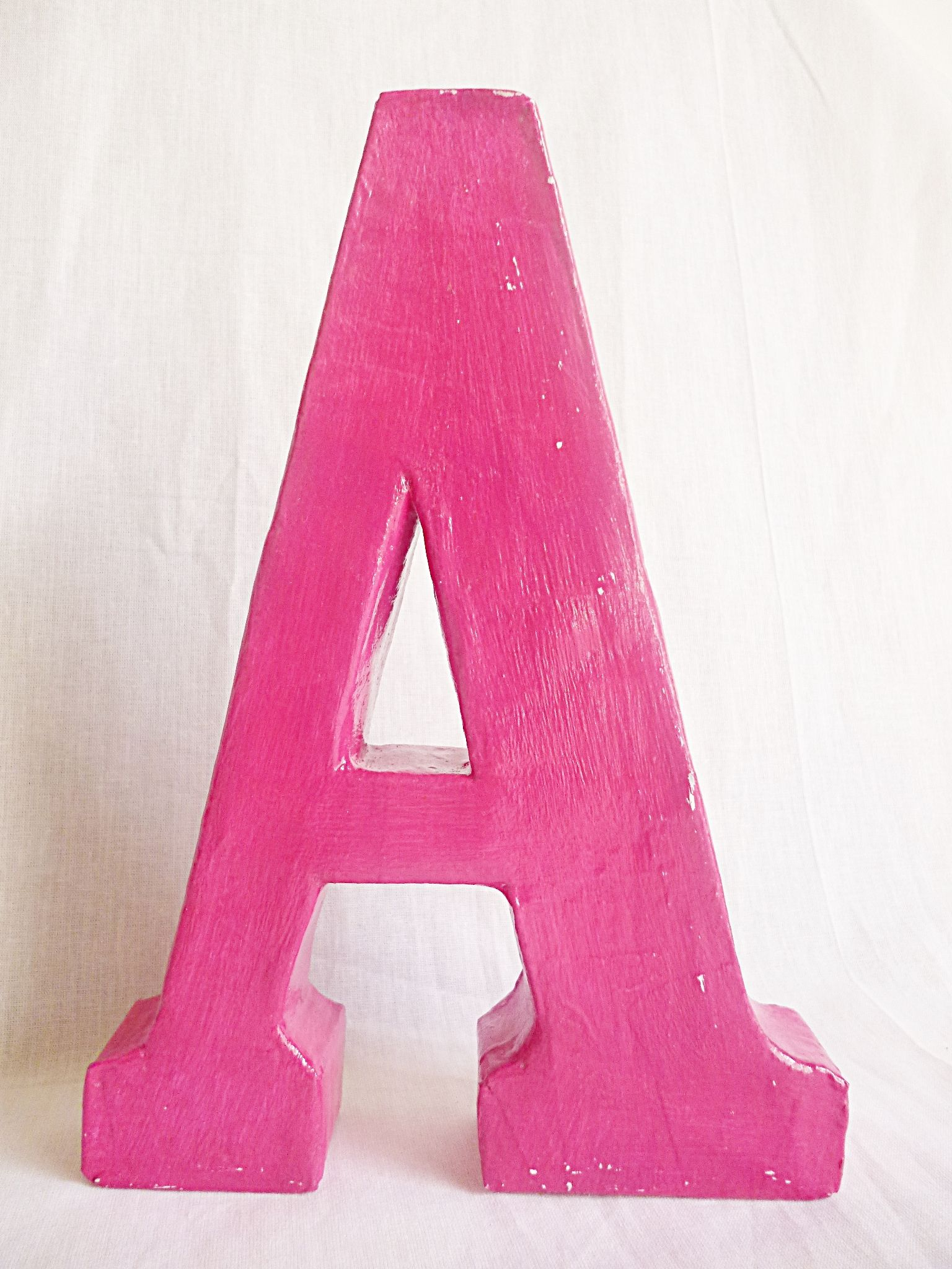 Letra decorativa, $50 en http://ofeliafeliz.com.ar