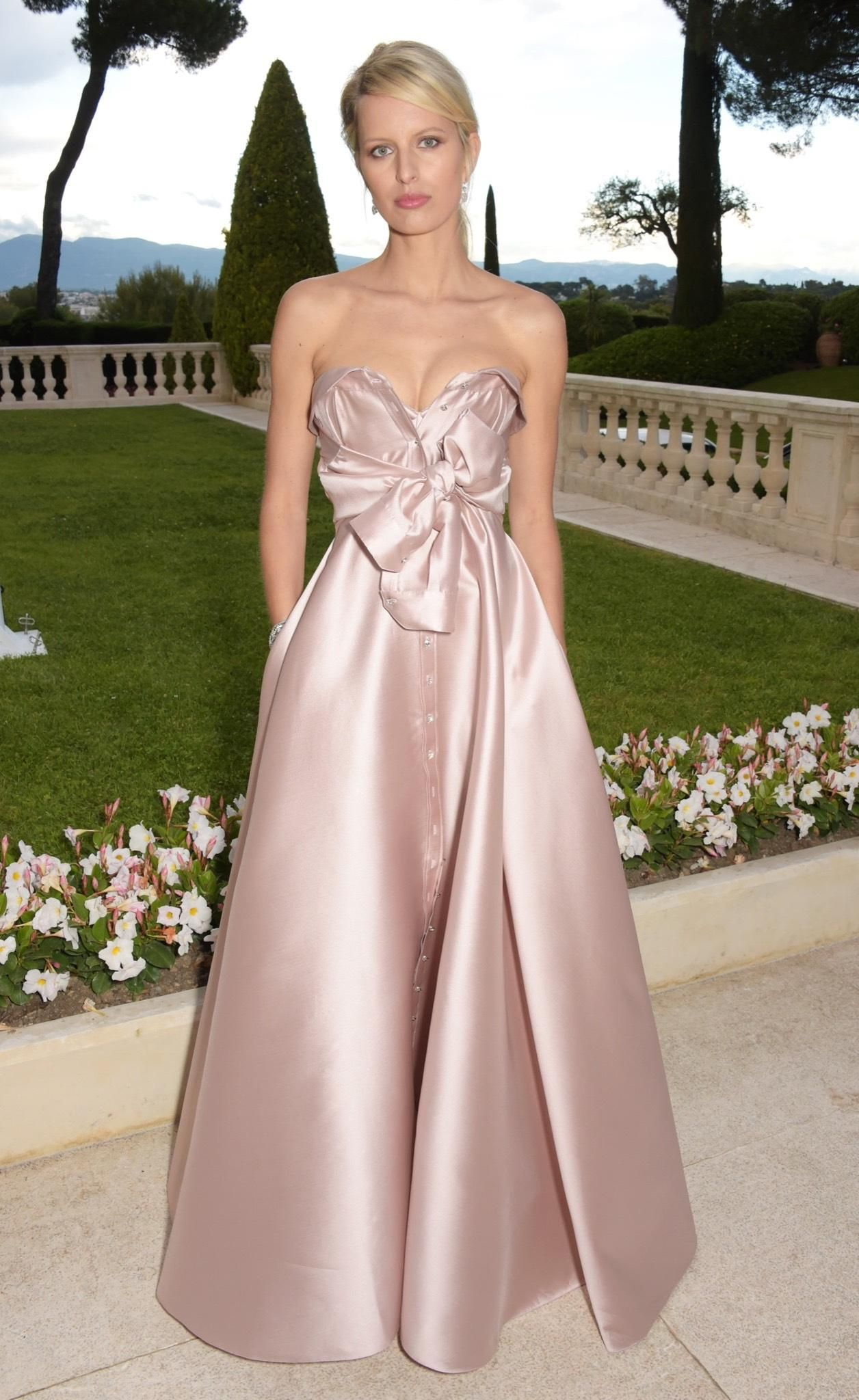 Abendkleid Roter Teppich Karolina Kurkova In Alexis Mabille And Harry Winston