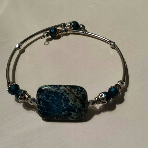 Memory wire blue stone bracelet Handcrafted memory wire bracelet Jewelry Bracelets