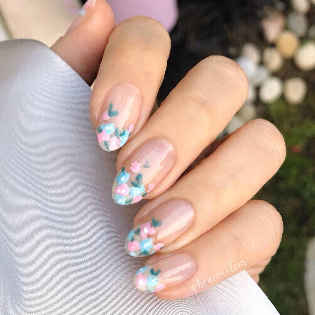 30 Simple Flower Nail Art Designs For Spring In 2020 Flower Nail Designs Nail Designs Flower Nails