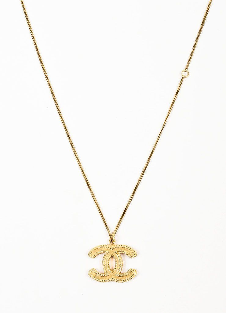 8181e74e0153b5 Gold Toned Chanel Textured 'CC' Logo Pendant Chain Necklace | Excess ...