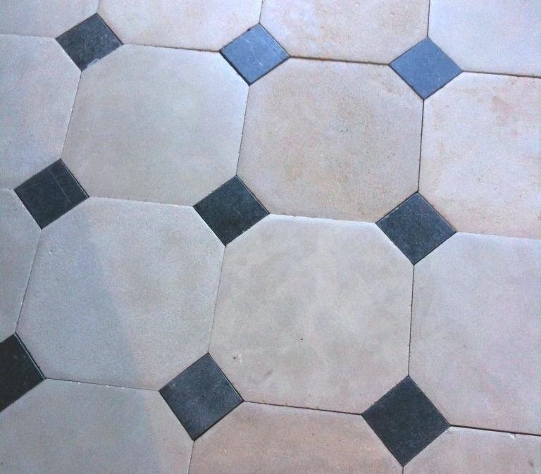 Carrelage A Cabochon Carrelage In 2019 Flooring Tiles Tile Floor
