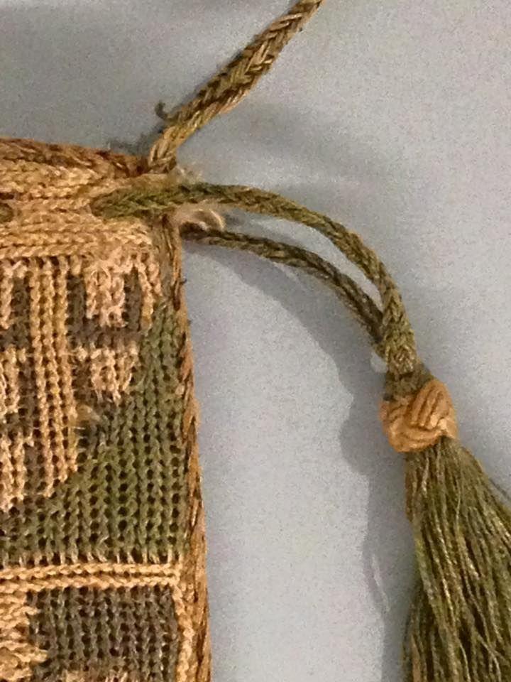 fingerlooped string of the NOT knitted bag! 12733532_890502327737424_182587198562522899_n.jpg (JPEG-Grafik, 720×960 Pixel) - Skaliert (93%)