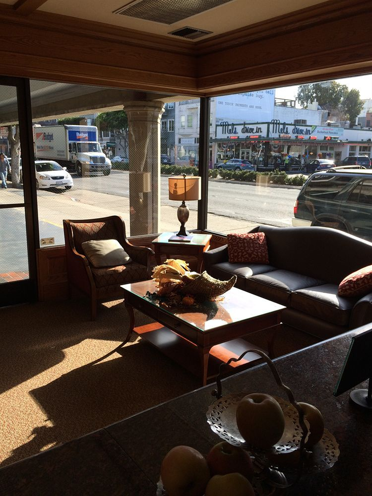 Cow Hollow Inn Hotels Hotel Rooms With Reviews S And Deals