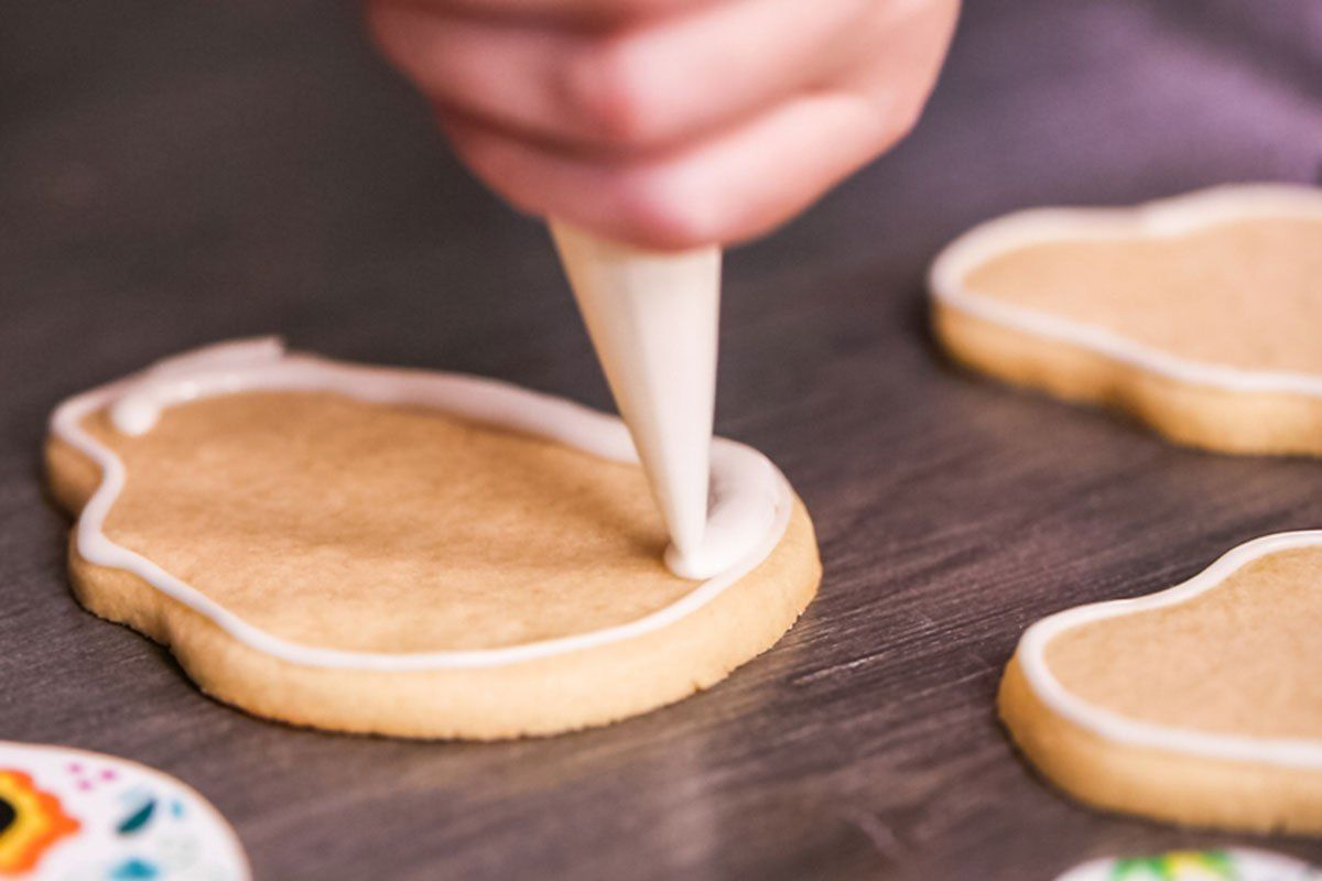 9 Mistakes Everyone Makes With Royal Icing