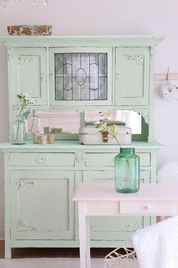 vintage buffet alter k chenschrank im shabby chic. Black Bedroom Furniture Sets. Home Design Ideas
