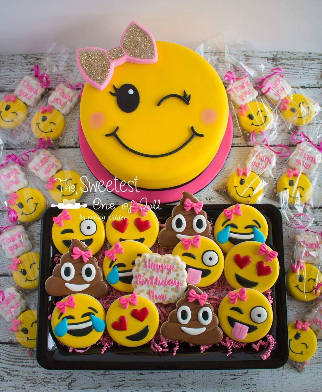 Emoji Cake Emoji Birthday Cake Party Cakes Emoji Cake