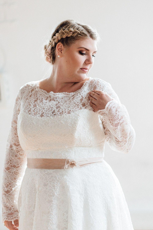 Brautkleider in großen Größen für Plus Size Bräute | Brautfrisur ...