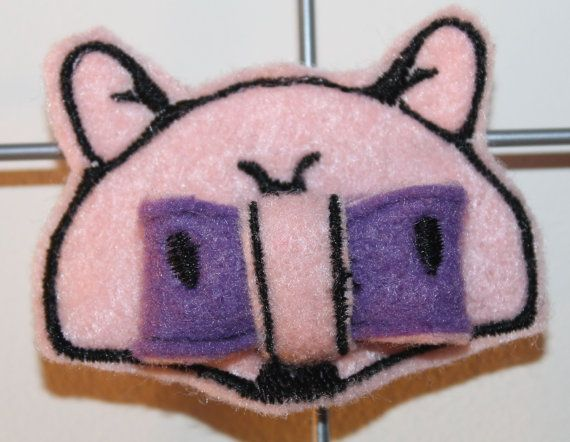 Raccoon bow ITH embroidery machine pattern