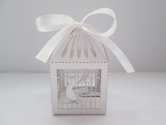 Luxury Wedding Sweet Gift Favour Boxes White Pearlised Bird Cage cut-out design - Ready assembled auf Etsy, 1,20 €