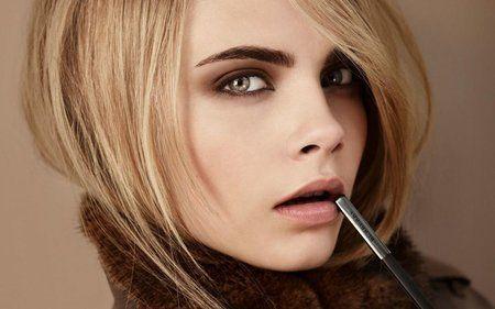 Get Cara Delevigne's Sultry Smokey Eye #glossyfinds #beautytips - bellashoot.com