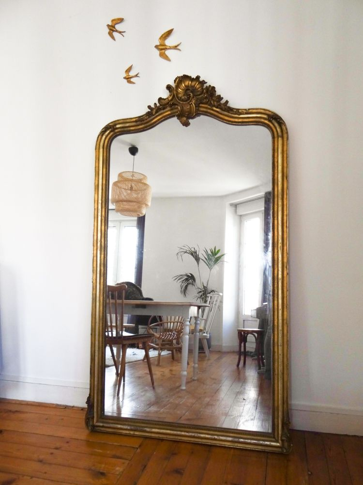 Id e d co un grand miroir ancien miroirs anciens for Deco miroir salon