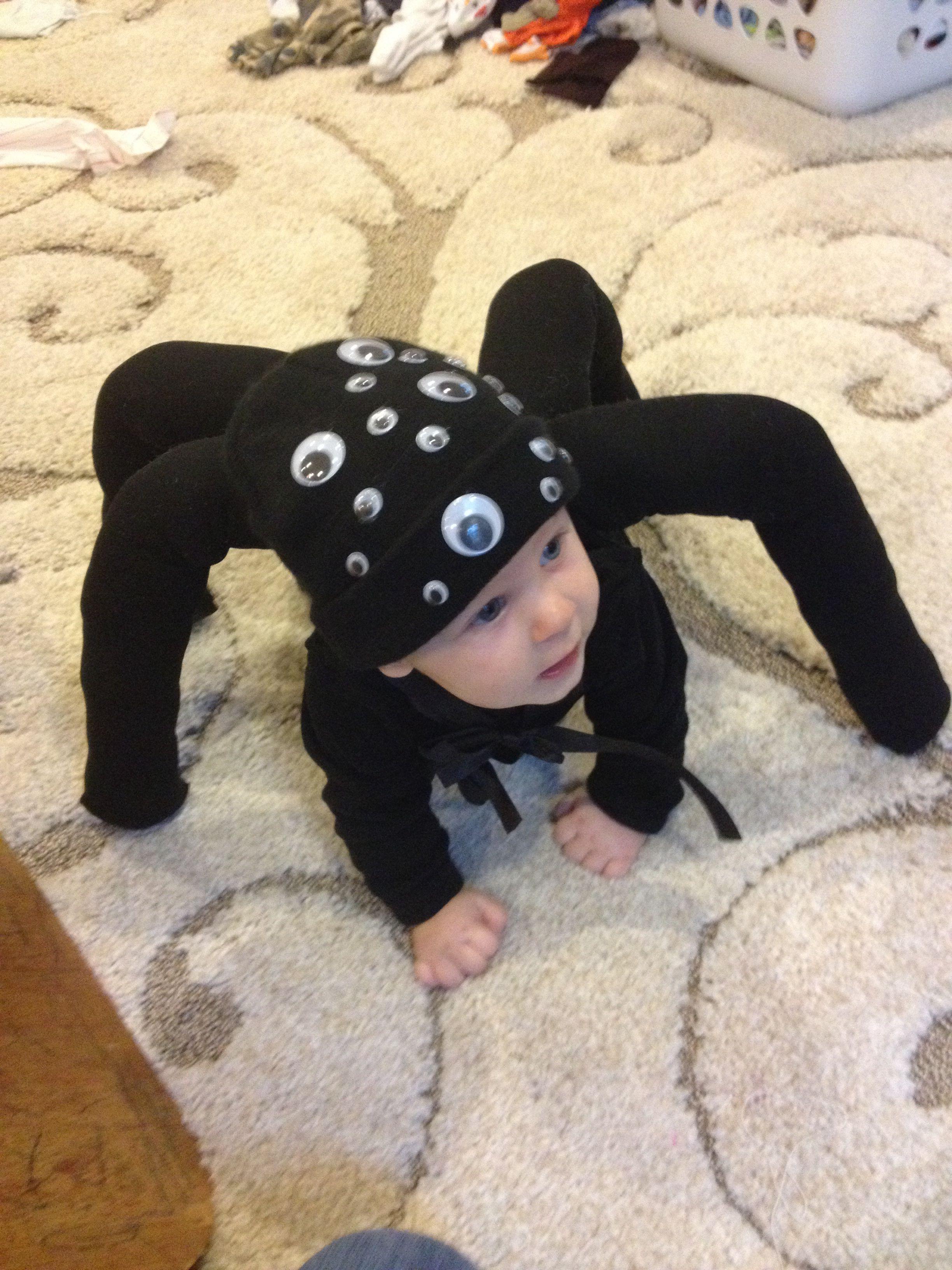 Spider Halloween costume for baby. Diy halloween