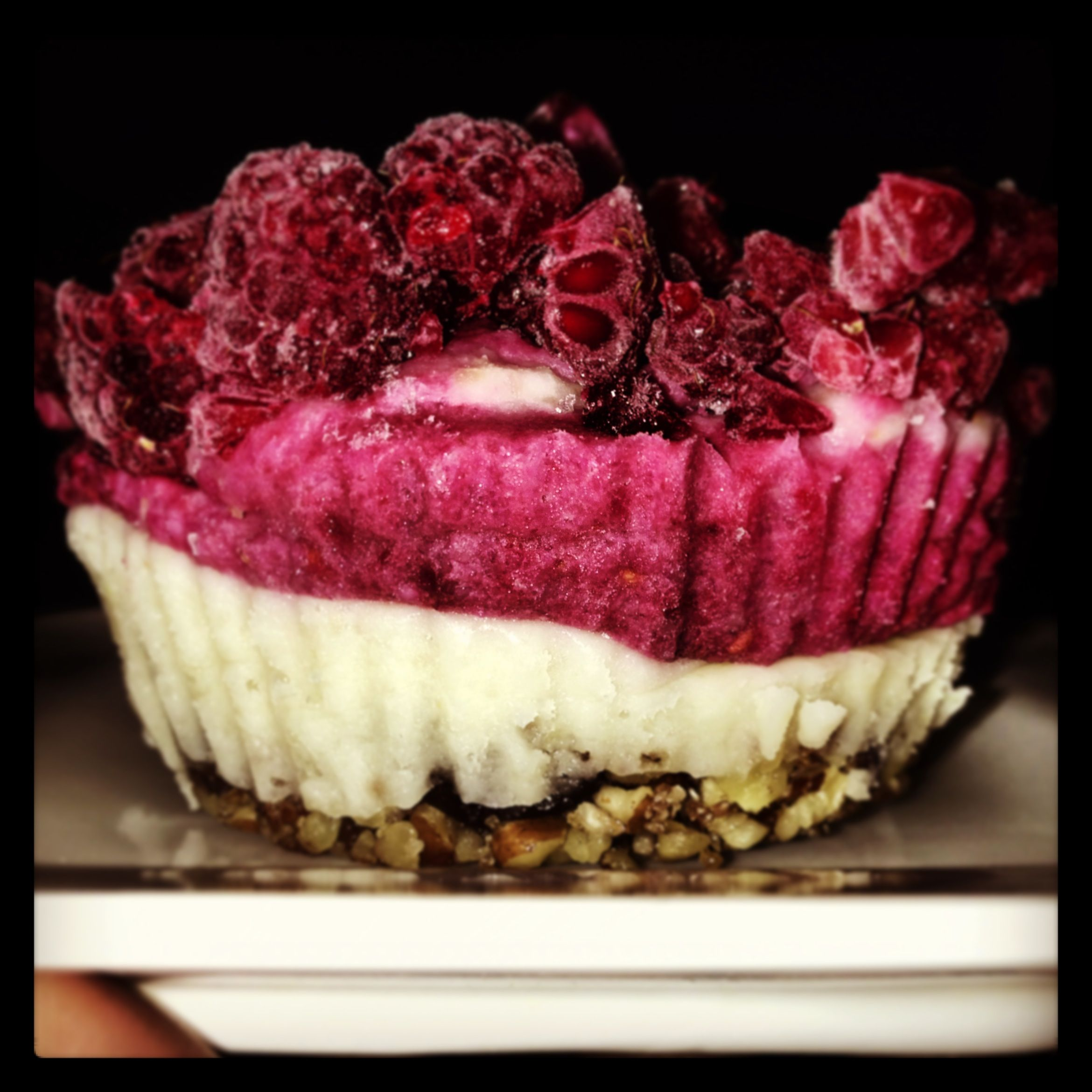 Rawfood raspberry cheesecake. Vegan , glutenfree and sugarfree!