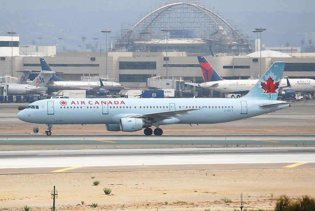 Air Canada aircraft C GITY Airbus A321 200 at Los Angeles