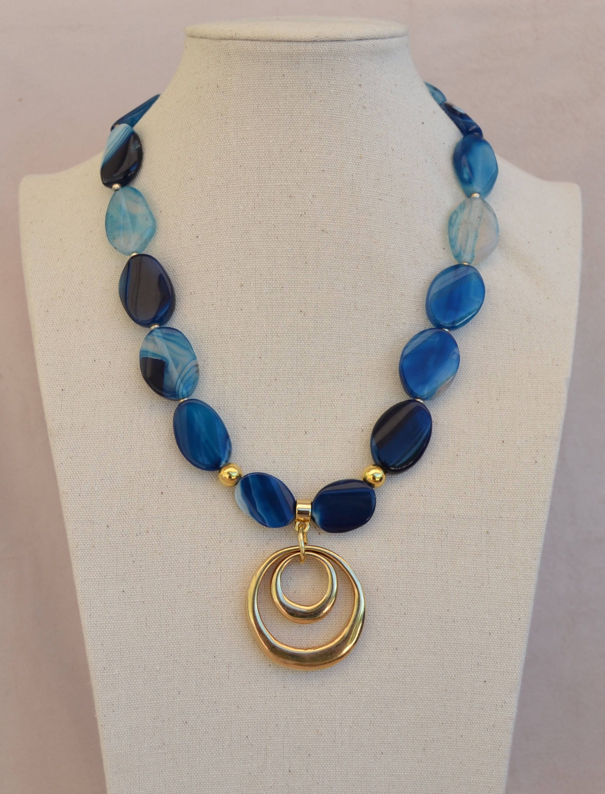 Short necklace of Blue flat agates and Zamak beads with gold bath. Natural stones. Handmade #nigeriandressstyles