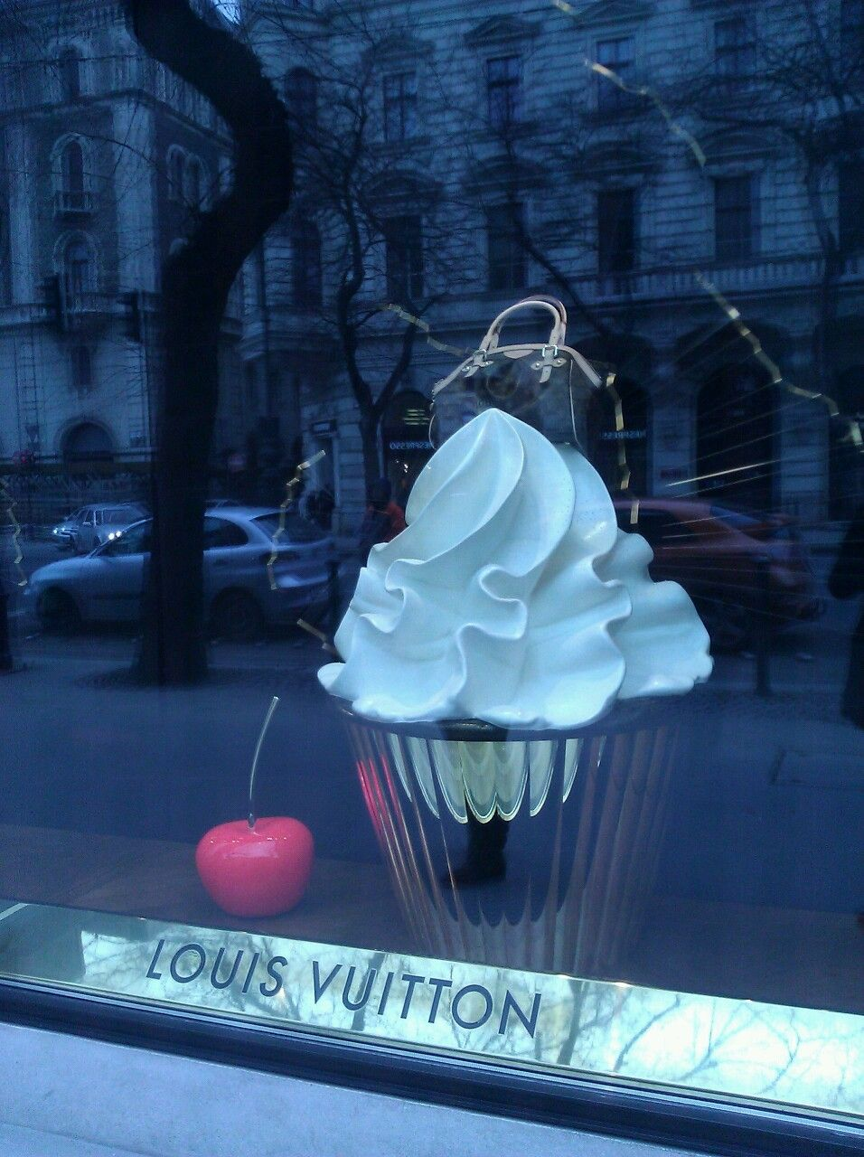 All in one!!  #fashion #food #louisvuitton #bags #mammamia !!