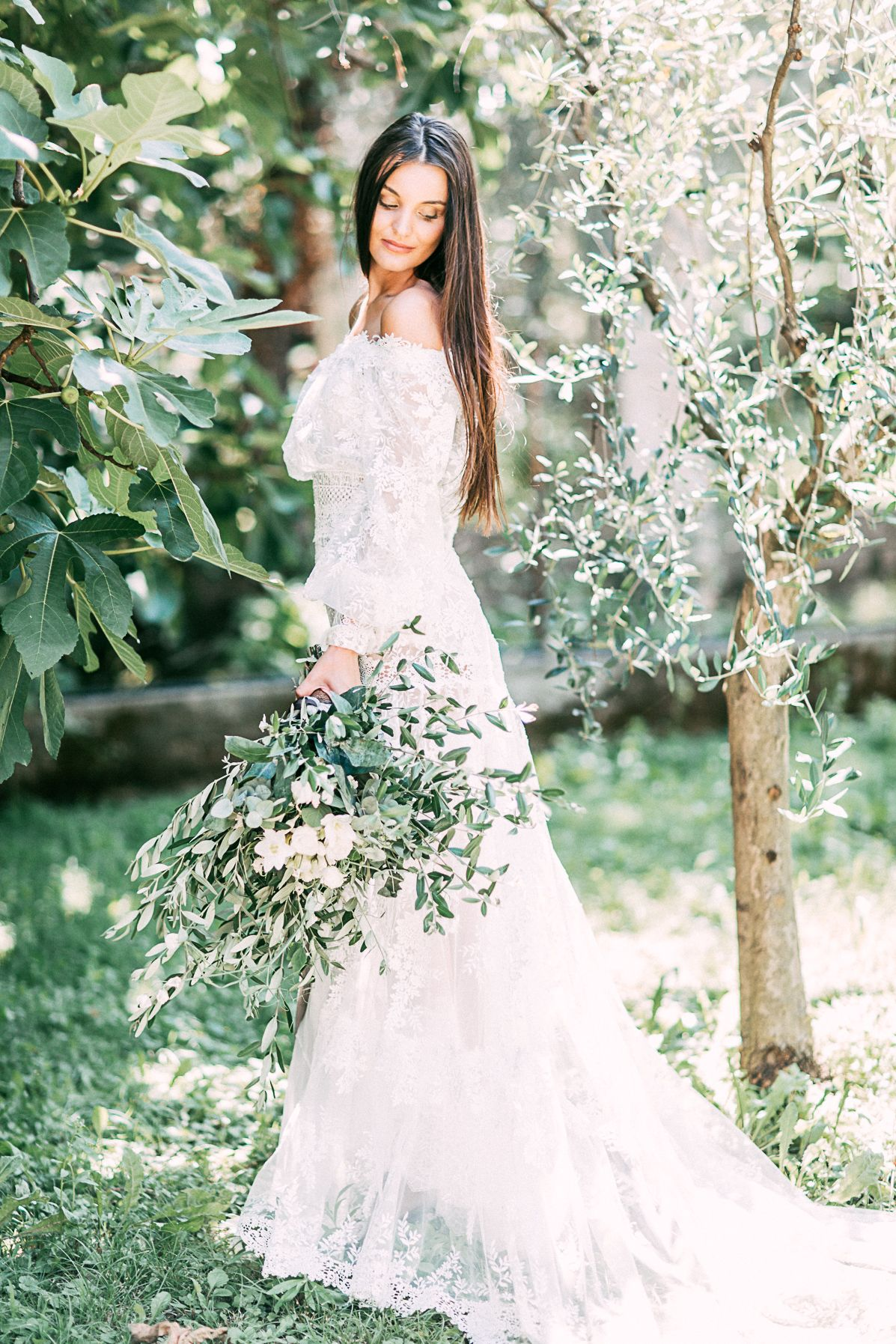 Yolan cris bridaldress photo octaviaplusklaus styling weddings by
