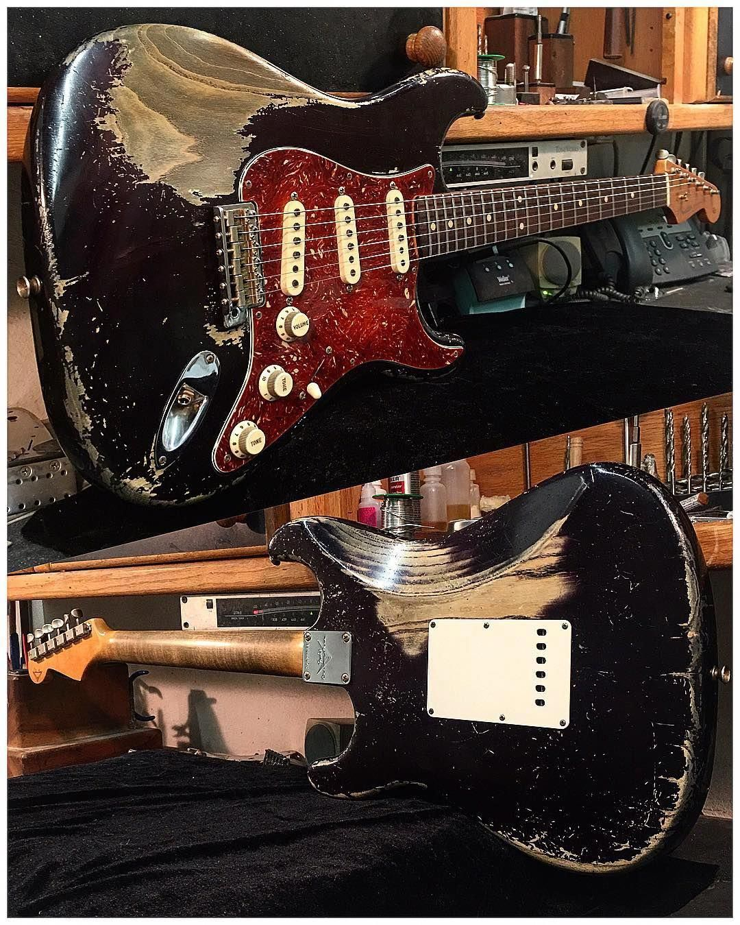 looking for a guitar check this out fenderstratocaster wow electric guitars in 2019. Black Bedroom Furniture Sets. Home Design Ideas