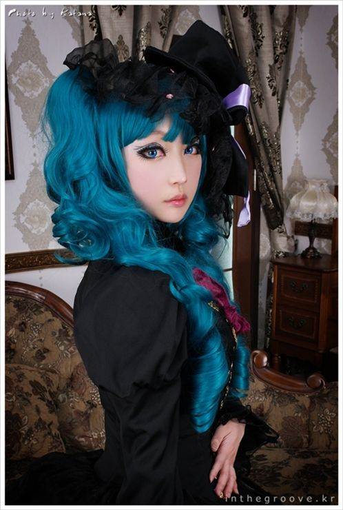 Lolita Vocaloid hair. <3 If only our hair could really look the good. . . Though that's what wigs are for. :D