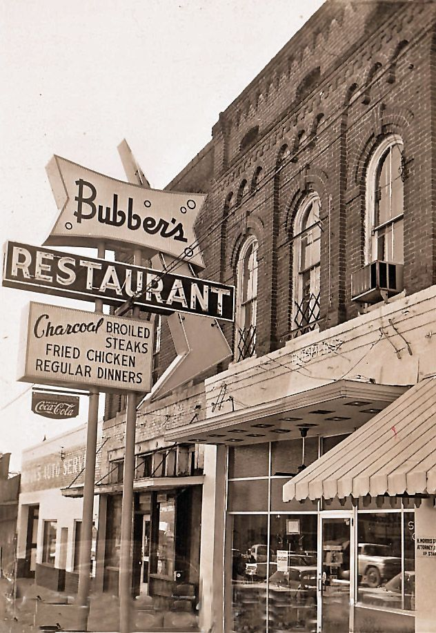 Bubber S Restaurant Bolivar Tennessee Ca 1960 One Of The First Places In The Area To Get Refrigerated Air Condition Bolivar Favorite Places Around The Worlds