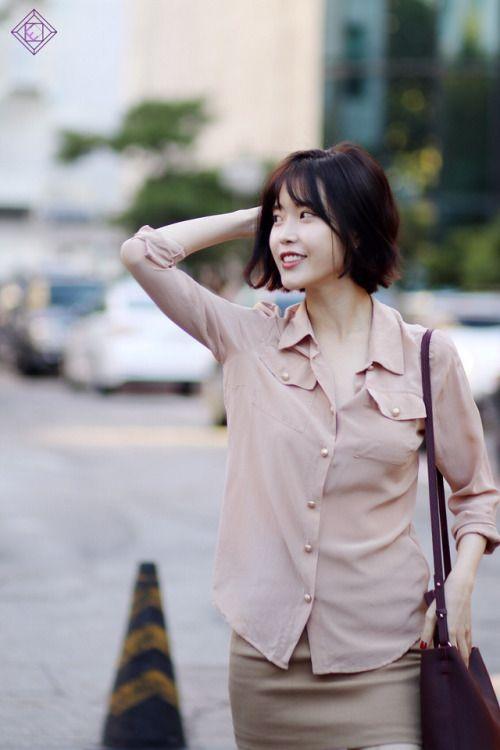 nice 161025 KBS Open ConcertBalmain nude silk blouse -...