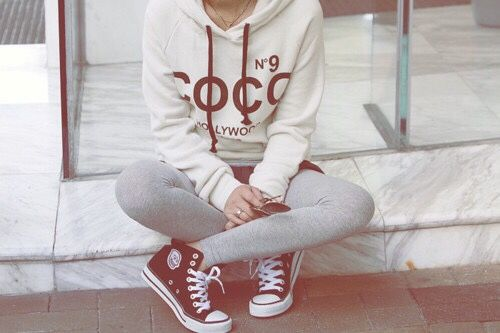 This sweatshirt looks great, love the color contrast with white + dark. Leggings (with shorts over them I think?) and converse look cute with it too, though I don't often wear leggings. Might be nice to have more.