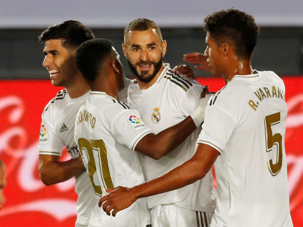 Real Madrid In Sight Of Title After Beating Alaves Real Madrid La Liga Madrid