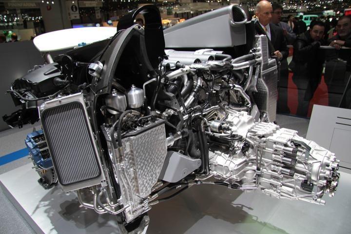Bugatti Veyron Engine 2015