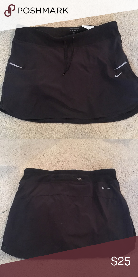 Nike Tennis Skirt Worn once for a event and it hasn't been worn since then!! It's so nice and fits really well. Size XS🤗 Nike Shorts Skorts