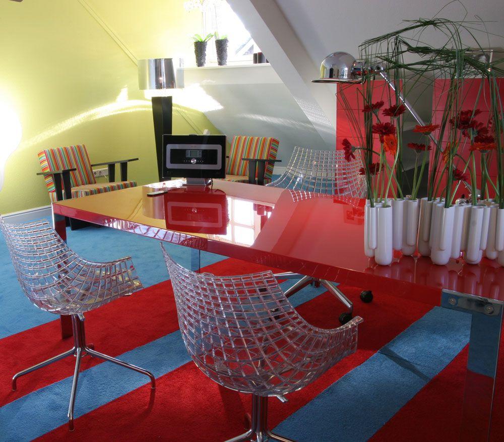 Kleuren bepalen de sfeer en de vloer speelt daarin een grote rol tapijt is bij uitstek geschikt - Sfeer en kleuren ...