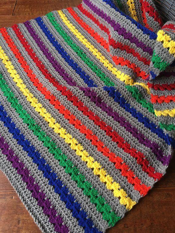 Manta de bebé de ganchillo - manta de ganchillo bebé arco iris - ropa de cama de bebé - decoración de la guardería - regalo de la ducha del bebé #babyblanket