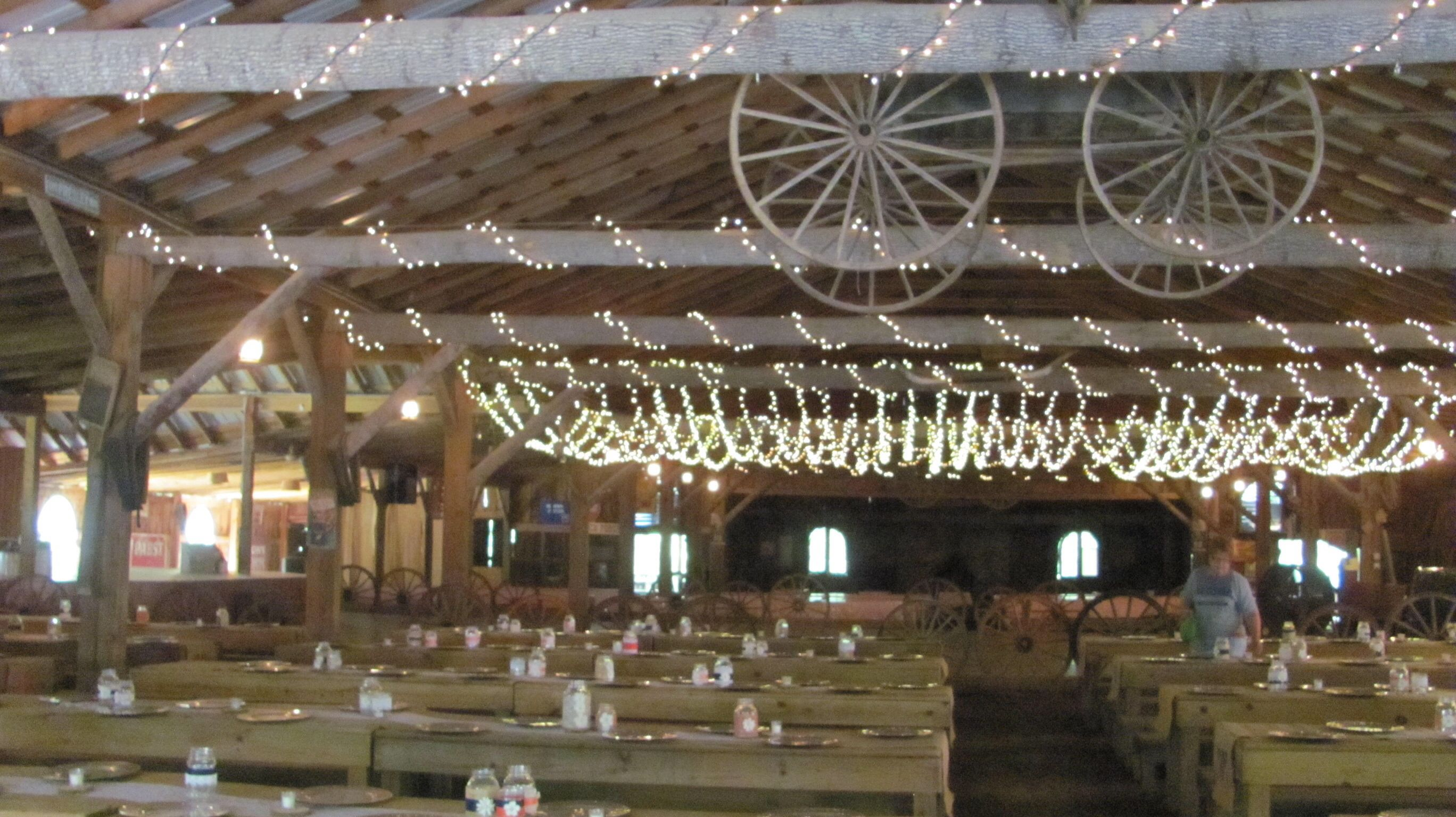 Smiley Hollow Barn Wedding TN