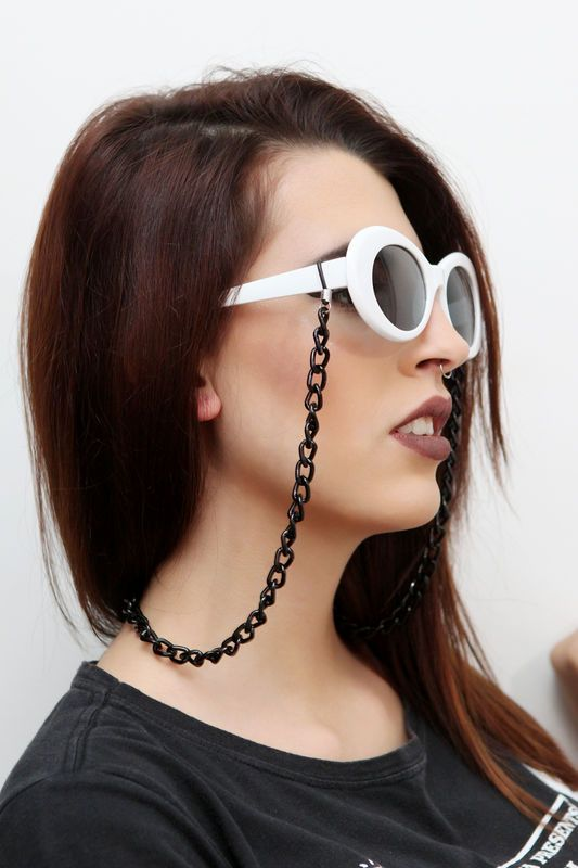 Corrente de óculos preta (metal) http   ehtipoaudrey.tanlup.com 4f4d733b07