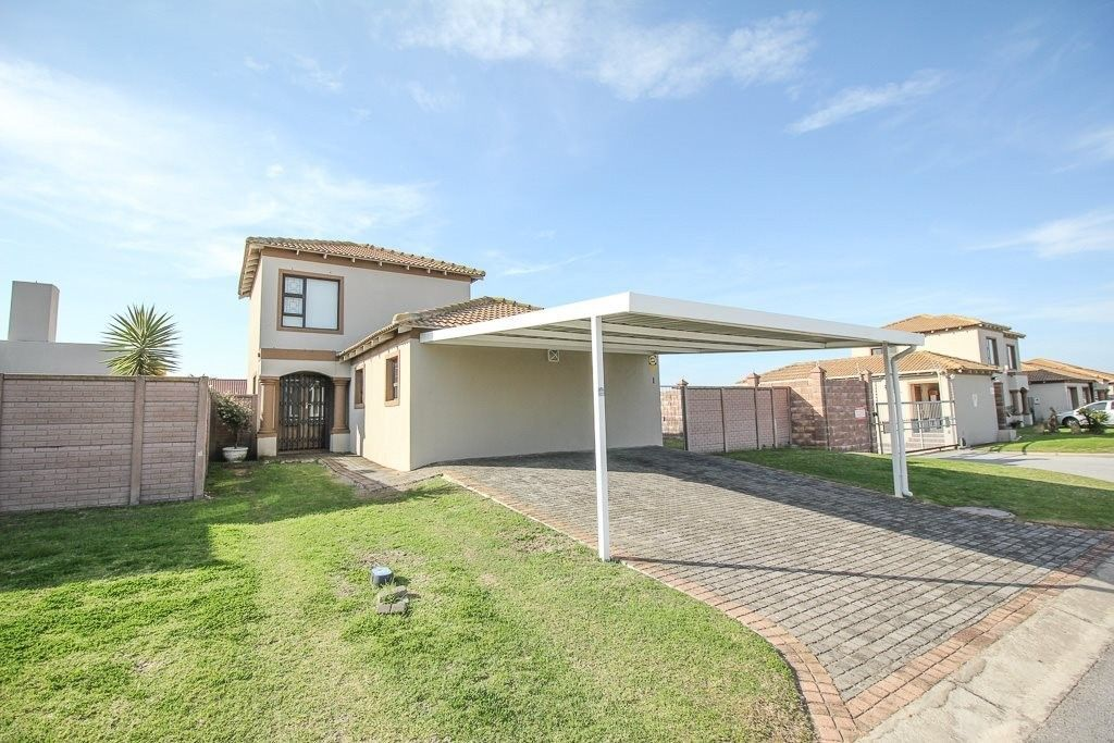 3 Bedroom House For Sale In Parsonsvlei House 4 Bedroom House