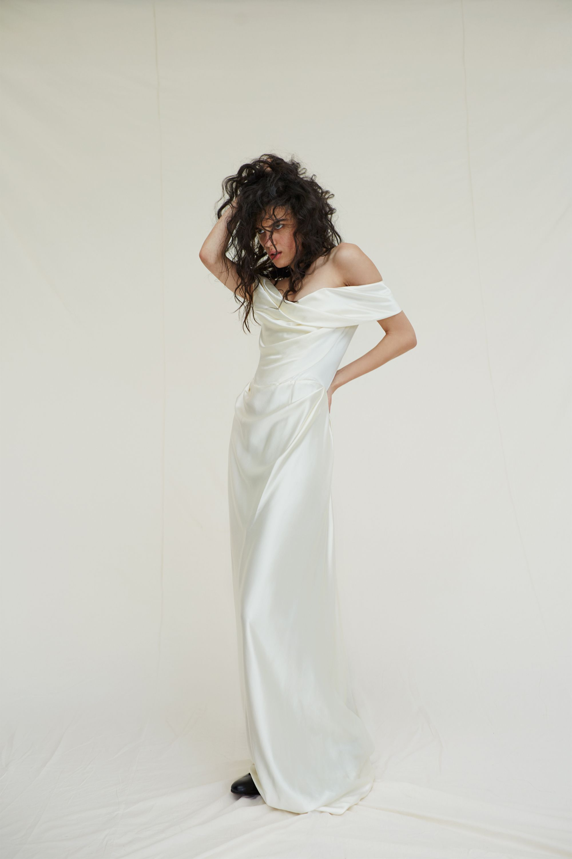 Exclusive Vivienne Westwood Is Bringing Her Bridal Collection To New York City Vivienne Westwood Wedding Vivienne Westwood Wedding Dress Vivienne Westwood Bridal [ 3000 x 2000 Pixel ]