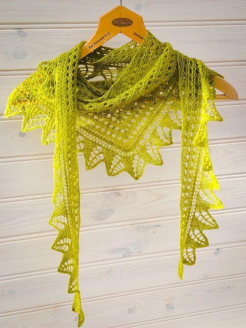 Oak Leaf Knitting Pattern Free : Ravelry: K-linas Garnomeras Oak leaf triangle Malabrigo lace Lettuce. Fr...