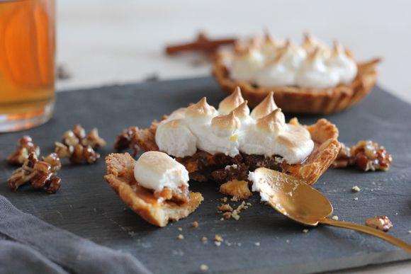 Tartelettes meringuées au potiron et noix de pécan caramélisées / Meringue pie with pumpkin and caramelized pecans