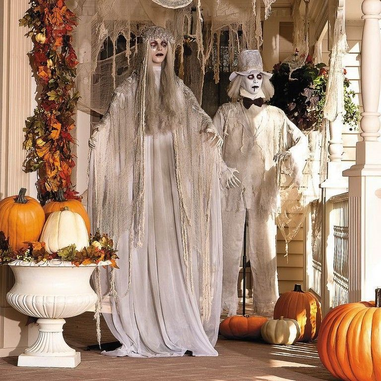 30+ Cool And Scary Outdoor Halloween Decor DIY Ideas