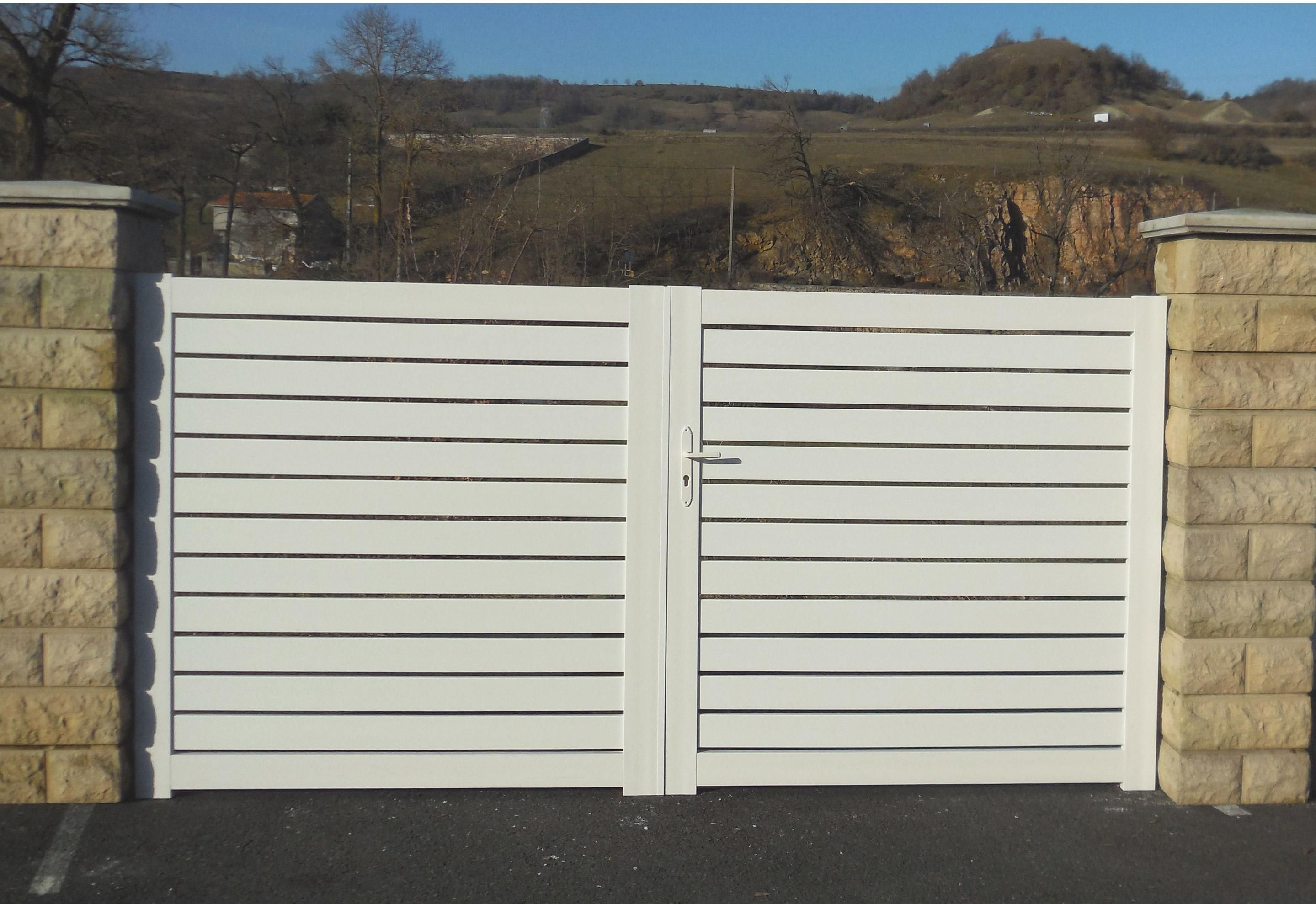 Portail Battant Pvc Sancy Blanc Naterial L 300 Cm X H 150 Cm Sancy Pvc