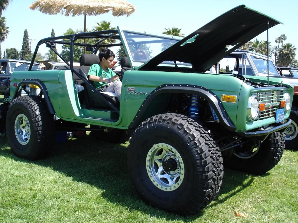 Pictures Of Ford Broncos - green bronco | Bad Ass Bronco's | Pinterest