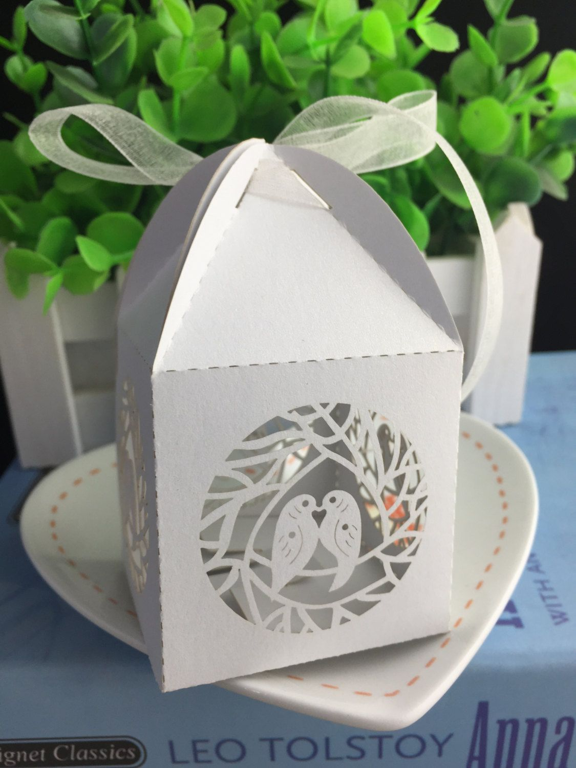 100pcs Free shipping Wedding Favor Chocolate Packaging Box Laser Cut ...