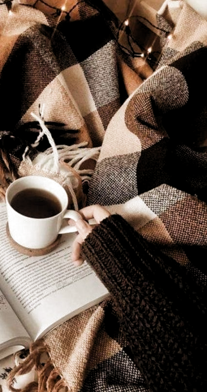 Pin De Barbara Bates Em Aesthetic Em 2020 Estetica Outono Cafe E Livros Book And Coffee