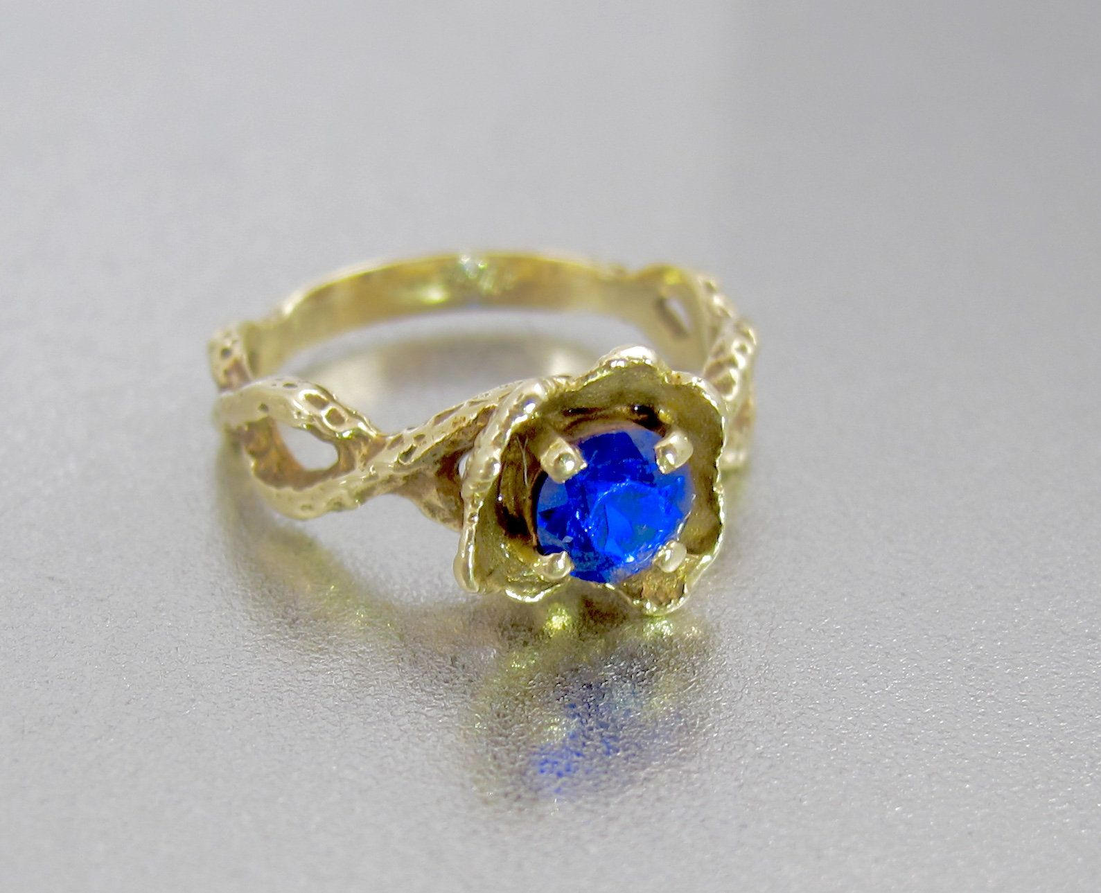 Gold Blue Iolite Flower Ring Vintage 10k Yellow Gold Sapphire Etsy In 2020 Yellow Gold Sapphire Opal Ring Gold Rose Gold Opal Ring