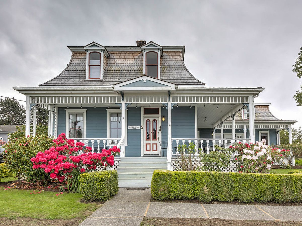 small victorian homes
