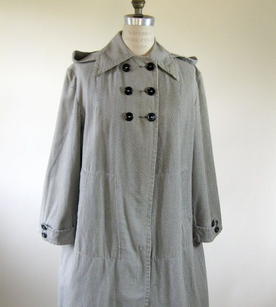 #VCAT #VINTAGE 50s Houndstooth Swing Raincoat with Removable Hood Medium Large X-Large by @BijouVintageBazaar #Etsy $49.99